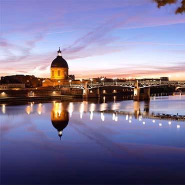 Toulouse, le dôme de la Grave en bord de Garonne